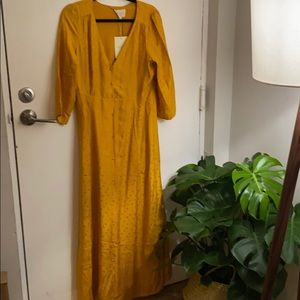 NWT Sézane Gillian dress in saffron - 40